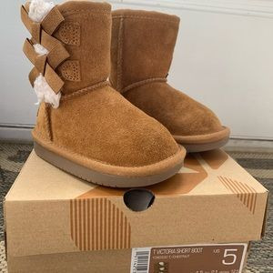 Toddler Koolaburra by Ugg Victoria Short Boots